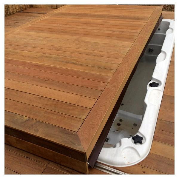Protection de spa terrasse mobile amovible pour spa for Recouvrir une terrasse carrelee